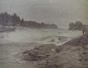 Chutes Réhaume avant la construction du barrage en 1930.j